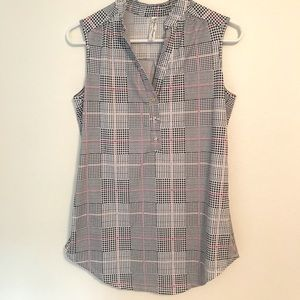 Multi-colored houndstooth sleeveless top
